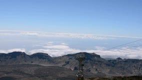 La subida de la cabina del teleférico en el volcán Teide metrajes