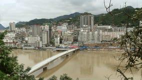 La subida de la ciudad de la montaña Imagenes de archivo