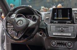 La Suisse ; Genève ; Le 8 mars 2018 ; L'interi de Mercedes-Benz SUV photos libres de droits