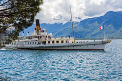 La Suisse paddelboat Royalty Free Stock Photos