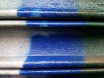 La superficie de metal fresca pintó verde y blanco azules, en primer foto de archivo libre de regalías