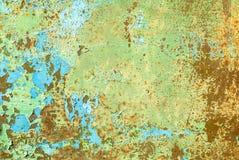 La superficie del ferro è coperta di vecchio fondo di struttura della pittura Immagini Stock