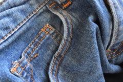 la superficie di un paio dei jeans Immagine Stock Libera da Diritti