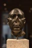 La supuesta 'cabeza verde' de una estatua de un sacerdote, Fotos de archivo