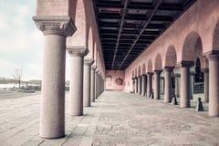 La Svezia, Stoccolma - città Hall Colonnade immagini stock