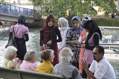 La Svizzera: Dialoque Svizzero-iraniano di immigrazione ai ricchi del ¼ del lago ZÃ fotografia stock libera da diritti