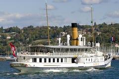 La Svizzera Ginevra il lago alloggia il più grande, barche di Belle Epoque più eleganti e più omogenee Fotografie Stock