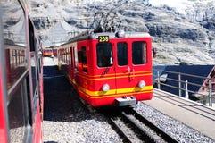 La Svizzera: Il treno di Jungfraujoch è un punto culminante turistico superiore i Immagine Stock