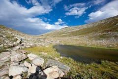 La Svizzera - paesaggio della montagna Immagine Stock Libera da Diritti