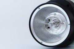 La tête de la lumière de lampe de stroboscope d'instantané de studio, se ferment  Images libres de droits