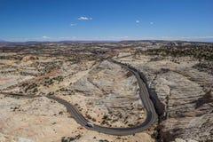 La tête des roches donnent sur au chemin détourné scénique 12 en Utah Image stock