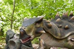 La tête du dinosaur images libres de droits