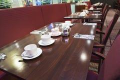 La tabella del ristorante ha installato per la prima colazione Fotografia Stock