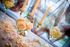 La tabella pranzante ha impostato per una cerimonia nuziale o un evento di compleanno Fotografia Stock Libera da Diritti