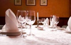 La tabella servita al ristorante Fotografia Stock