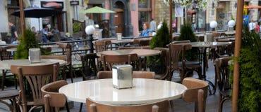 La table dans la barre Photographie stock
