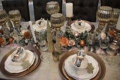 La table est couverte, Joyeux Noël image stock