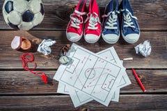 La tactique de formation du football sur le bureau d'école Photographie stock libre de droits