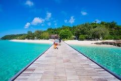 La Tailandia, 16 Jyne 2017:: Spiaggia dell'isola di Mai Ton bella in Phuke Immagine Stock Libera da Diritti