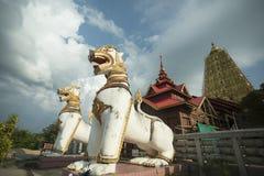 LA TAILANDIA KANCHANABURI SANGKHLABURI WAT WANG WIWEKARAM Immagine Stock Libera da Diritti