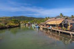 LA TAILANDIA, KO CHANG Isola tropicale della Tailandia di Koh Chang Villaggio di Fishermans Fotografia Stock Libera da Diritti