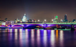 La Tamise Londres R-U Photographie stock