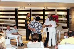 La tarde tradicional baila en hotel de la playa del mar muerto Foto de archivo