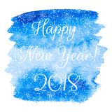 La tarjeta de felicitación de la Feliz Año Nuevo con la acuarela azul vector detrás Foto de archivo