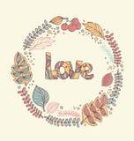 La tarjeta de la invitación con un marco floral y las letras decorativas aman libre illustration