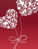 La tarjeta de la tarjeta del día de San Valentín con el globo del corazón Fotos de archivo