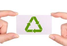 La tarjeta de visita con verde recicla el icono Imágenes de archivo libres de regalías