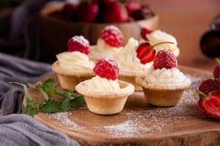 La tarte laisse bourré de la crème photographie stock libre de droits