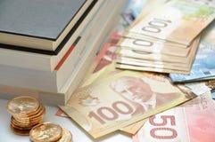 La tassa di alta formazione costa i soldi Fotografia Stock