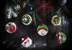 la tasse durcit avec la décoration de Noël Photo stock