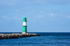 La taupe sur la côte de mer baltique dans Warnemuende, Allemagne Photo libre de droits