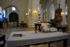 La tavola del sacerdote dentro la cattedrale di Leon, Nicaragua Fotografie Stock Libere da Diritti