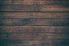 La tavola di legno di superficie dell'annata ed il grano rustico strutturano il fondo fotografia stock