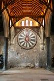 La tavola rotonda di re Artù sulla parete del tempio in Winchester Inghilterra U Immagine Stock