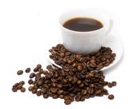 La taza del café y de las habas 3 Imágenes de archivo libres de regalías