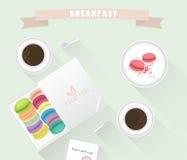 La taza, los macarrones y la torta de café del desayuno están en el sistema Ilustración del vector Fotografía de archivo