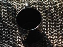 La taza tejida del metal del fondo del metal los anillos junta se coloca Fotos de archivo