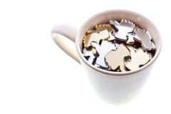 La tazza bianca con la a gradisce l'icona Fotografia Stock Libera da Diritti