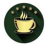 La tazza di caffè dorata e cinque star l'icona con effetto ombra lungo Fotografia Stock