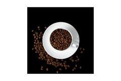 La tazza di caffè ha riempito di chicchi di caffè Fotografia Stock Libera da Diritti
