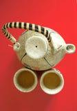 La teiera cinese con due tazze Immagine Stock