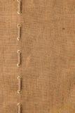 La tela da imballaggio con una allinea della corda Immagine Stock Libera da Diritti