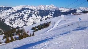 La telesilla de la montaña de Schmittenhohe, Zell ve, Austria metrajes