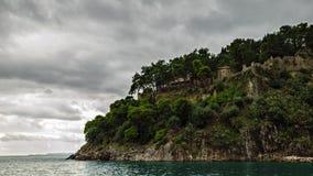 La tempesta si rannuvola il mare ionico in Parga immagine stock libera da diritti