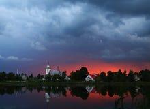 La tempesta sta venendo tas del ¡ del kÅ della città a DÅ « immagine stock libera da diritti