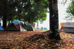La tente a été utilisée pour le voyage photographie stock libre de droits